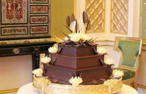 Image of the Royal Wedding chocolate biscuit cake