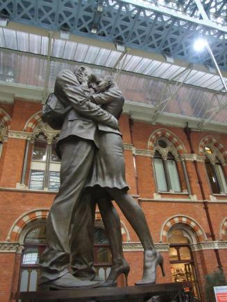 Beautiful statue at St Pancras station