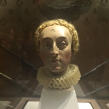 A terrifying but awesome bust of Elizabeth I